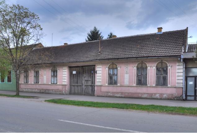 Backi Brestovac, Karadjordjeva 34